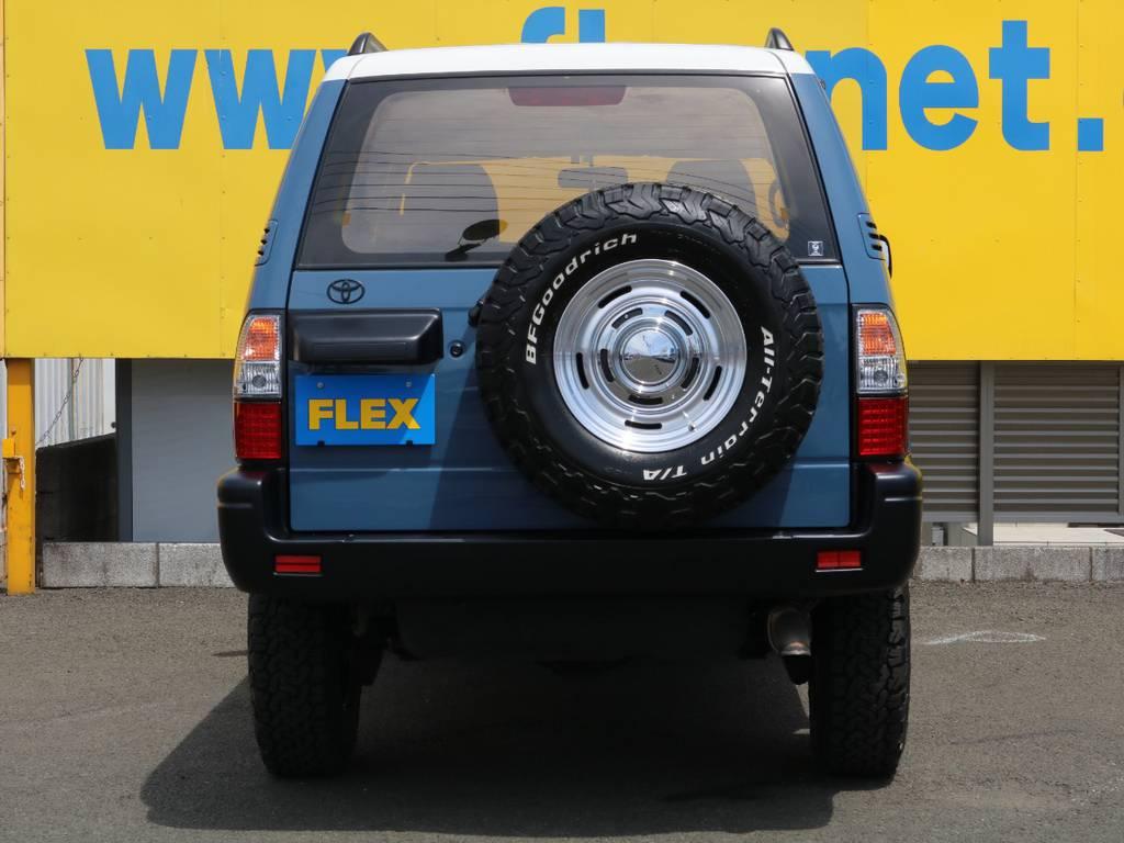 背面タイヤも他4本と揃えBFグッドリッチを装着済み♪万が一の際のスペアタイヤとしても使用可能です♪見た目の迫力もアップしてますよ♪ | トヨタ ランドクルーザープラド 3.0 TZ ディーゼルターボ 4WD NEWアルルブルー 丸目&ナロー