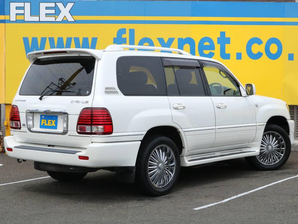 高級感漂う純正パールホワイトカラー♪外装の状態も良好です♪当店でも即売約となる事も多い車種ですので、全国の皆様からのお問合せお待ちしております♪ | トヨタ ランドクルーザーシグナス 4.7 4WD 最終型 マルチレス 本革 SR