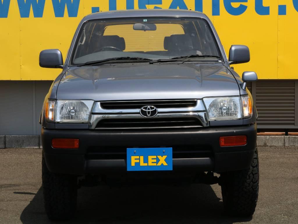 大き過ぎず小さ過ぎずのちょうどいいボディサイズ♪街乗りでも快適にお乗りいただけます!クラシックな外観もカッコいい当店でもおすすめの1台です♪ | トヨタ ハイラックスサーフ 2.7 SSR-X ワイドボディ 4WD ナロー DEAN16AW&KO2 2UP