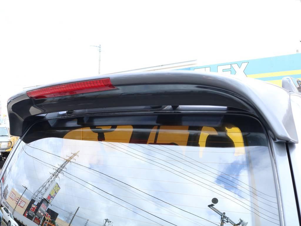 ルーフスポイラー装着済み♪ | トヨタ ランドクルーザー100 4.7 VXリミテッド 4WD 中期5速AT マルチレス リフトアップ