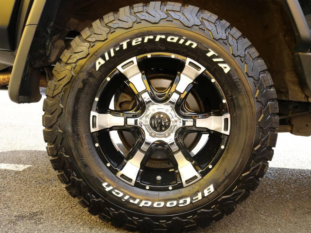 クリムソン ヴァンパイヤ17インチアルミホイールとBFグッドリッチ KO2の組み合わせはブラックのボディカラーともバランスが良くバッチリ仕上がっています♪ | トヨタ FJクルーザー 4.0 オフロードパッケージ 4WD MGヴァンパイア17AW KO2 2UP