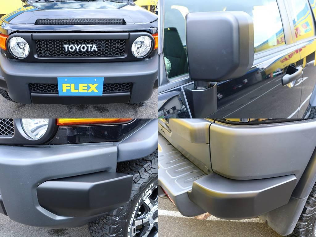 各部マッドブラック塗装でより引き締まったエクステリア★ブラックボディとのマッチングもバッチリです♪ | トヨタ FJクルーザー 4.0 オフロードパッケージ 4WD MGヴァンパイア17AW KO2 2UP