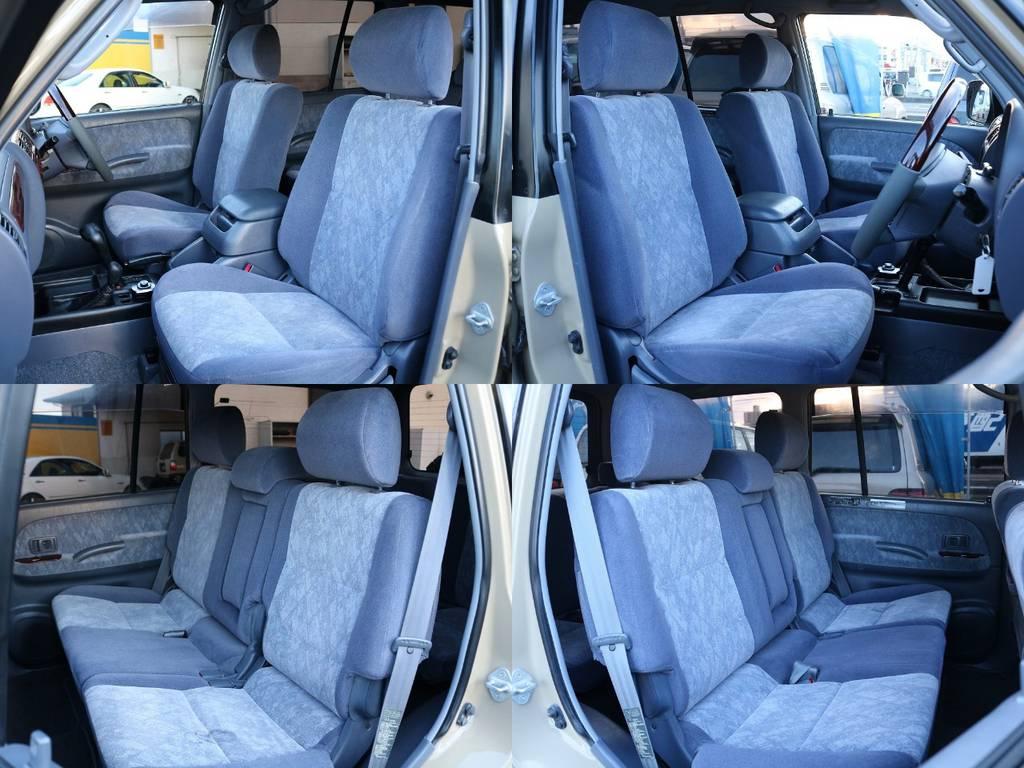 各シート綺麗な状態を維持しております♪2列目シートは大人の方でもゆったりと座れるスペースを確保しております!! | トヨタ ランドクルーザープラド 2.7 TX リミテッド 4WD NEWベージュ 丸目&ナロー換装