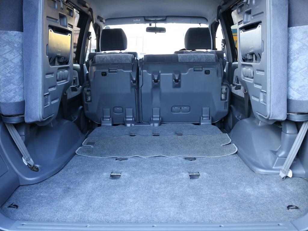 3列目は跳ね上げ式で広々としたラゲッジスペースあ大きな荷物も楽々積み込めます!! | トヨタ ランドクルーザープラド 2.7 TX リミテッド 4WD NEWベージュ 丸目&ナロー換装