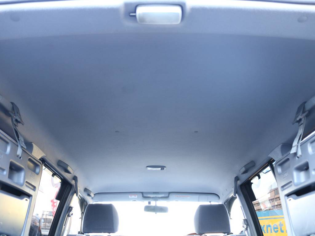 天井はほとんどダメージが無く綺麗な状態を保っております!! | トヨタ ランドクルーザープラド 2.7 TX リミテッド 4WD NEWベージュ 丸目&ナロー換装