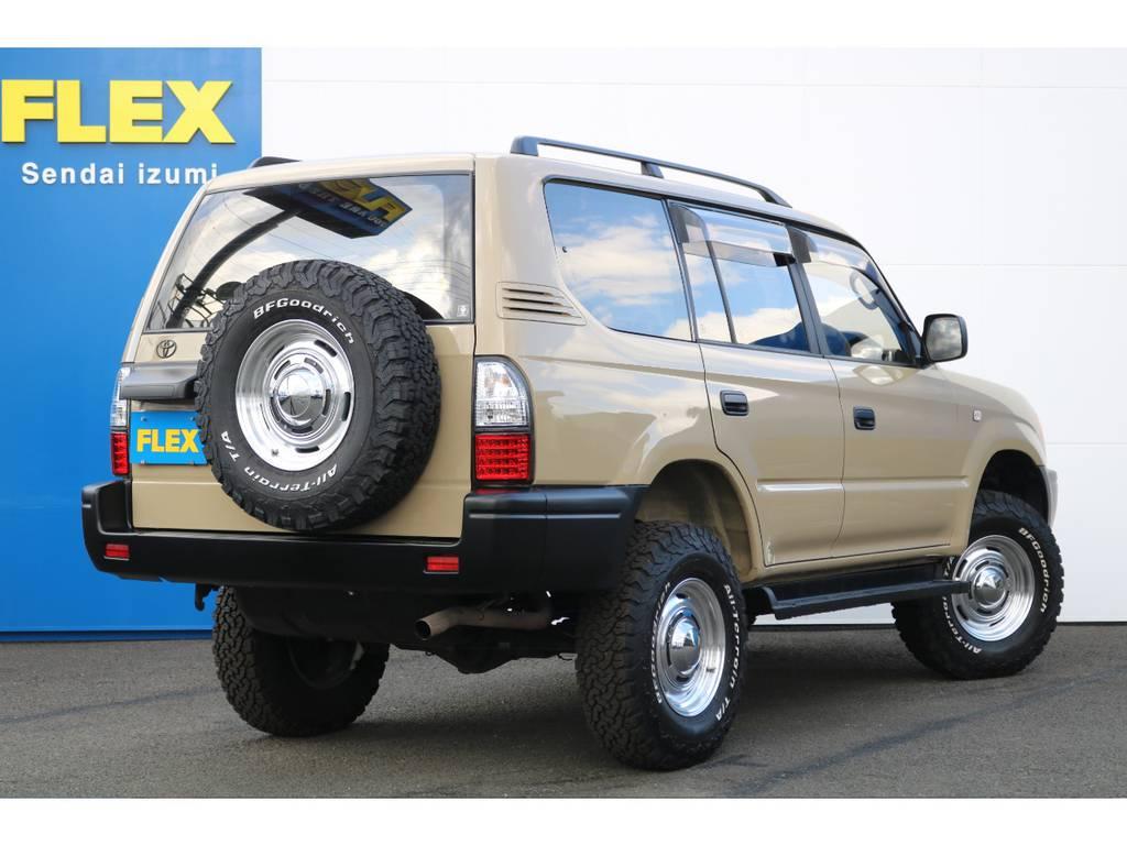 FLEXグループは「すべての人に愛車を」をコンセプトに車種別に全国展開中★愛車と一緒に、ライフスタイルを充実させてもらいたいという思いで、ランクル仙台泉店では皆様のご要望になんでもお応えします★ | トヨタ ランドクルーザープラド 2.7 TX リミテッド 4WD NEWベージュ 丸目&ナロー換装