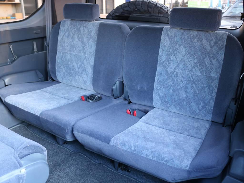シートカバーの取り付けなどもお気軽にご相談下さい!! | トヨタ ランドクルーザープラド 2.7 TX リミテッド 4WD NEWベージュ 丸目&ナロー換装