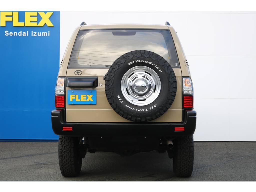背面タイヤも含めて5本とも新品AW&タイヤをインストールしております♪ | トヨタ ランドクルーザープラド 2.7 TX リミテッド 4WD NEWベージュ 丸目&ナロー換装