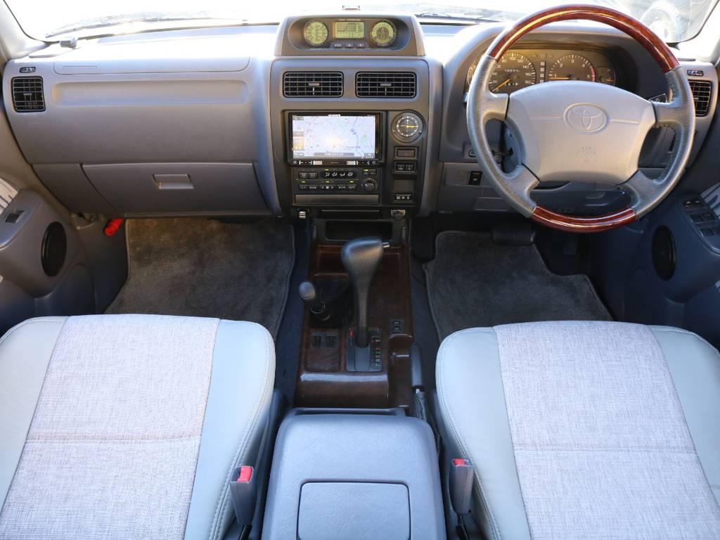 FLEXグループは「すべての人に愛車を」をコンセプトに車種別に全国展開中★ | トヨタ ランドクルーザープラド 3.0 TX ディーゼルターボ 4WD アーミーグリーン 丸目&ナロー換装