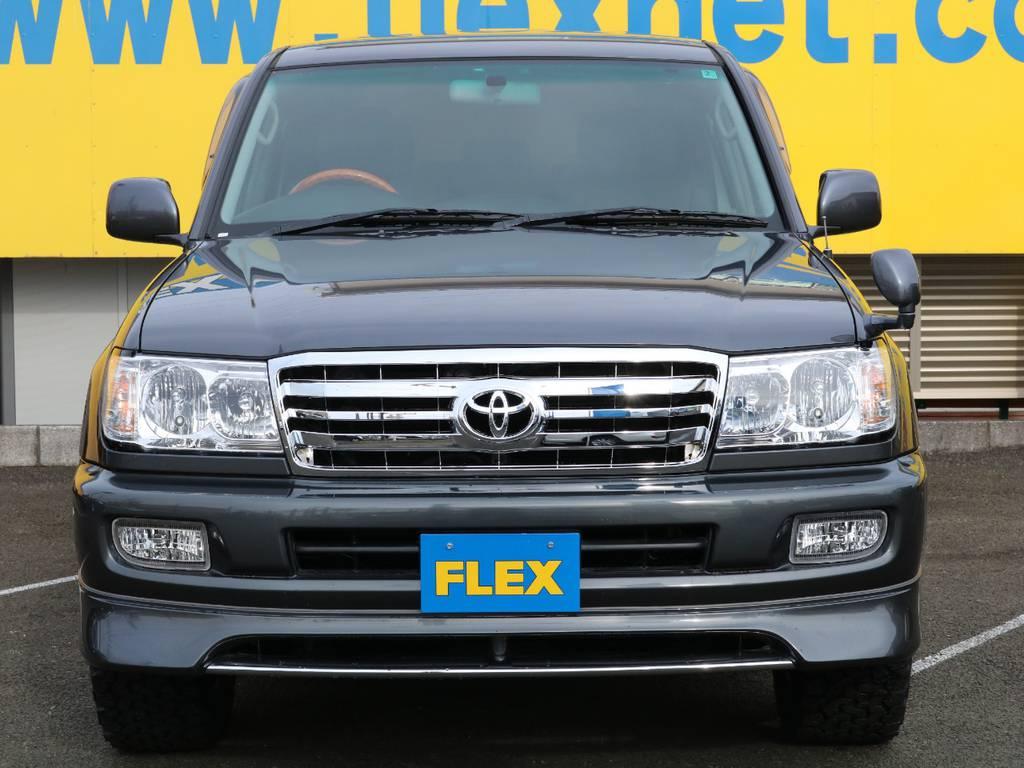 ヘッドライト、フロントグリルは新品パーツにて後期ルックに換装済み♪ | トヨタ ランドクルーザー100 4.7 VX 4WD マルチレス 5速AT ビースト&KO2