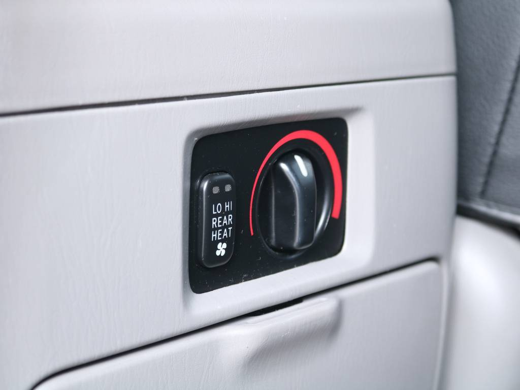消耗品、内外装部品を除く機能部品をすべて保証いたします!保証期間は1年ごとの自動更新で実質無期限♪保証上限額ごとに3つのプランをご用意しており、無料プランもございます!詳しくは当店スタッフまで! | トヨタ ランドクルーザー100 4.7 VX 4WD マルチレス 5速AT 新品22インチAW