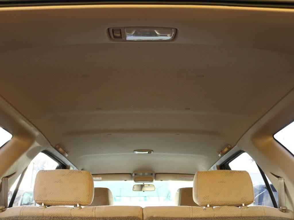天張りも汚れやキレなど無い状態をキープしています♪ | トヨタ ハイラックスサーフ 2.7 SSR-V 4WD 低走行9万km 新車ワンオーナー