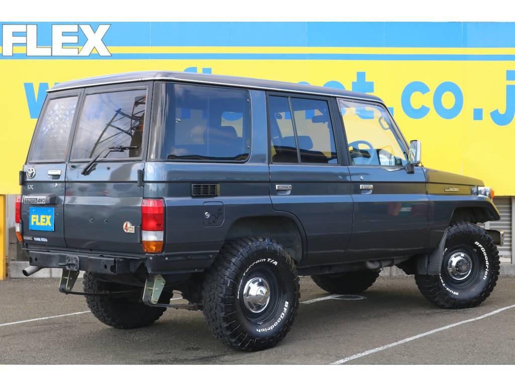 FLEXグループは「すべての人に愛車を」をコンセプトに車種別に全国展開中★愛車と一緒に、ライフスタイルを充実させてもらいたいという思いで、ランクル仙台泉店では皆様のご要望になんでもお応えします★   トヨタ ランドクルーザー70 3.5 LX ディーゼル 4WD ナロー 5MT 76フェイス 輸出用SW