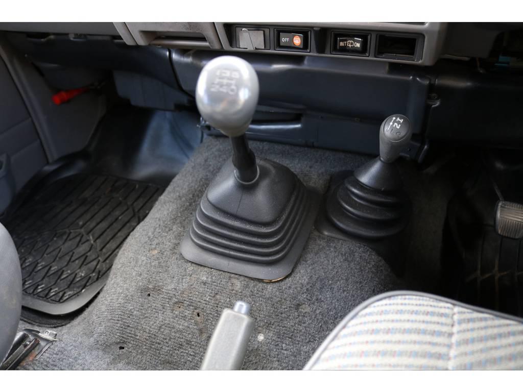 車を操る感覚をご体感ください☆   トヨタ ランドクルーザー70 3.5 LX ディーゼル 4WD ナロー 5MT 76フェイス 輸出用SW