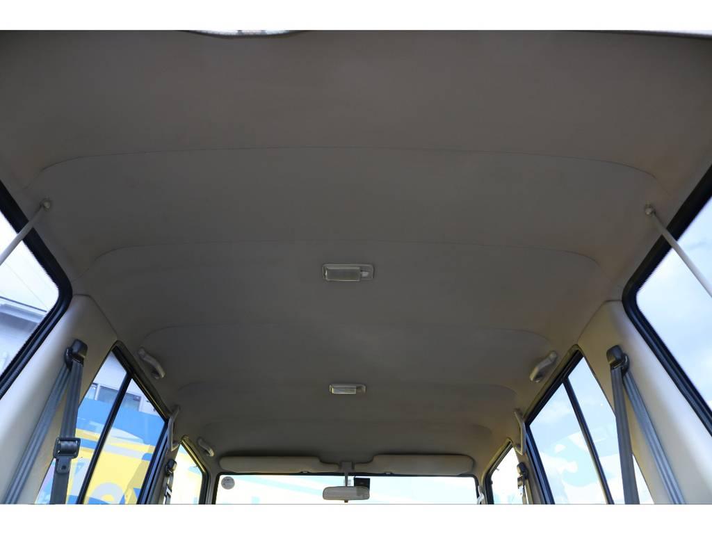 広々した天井!大きなキズやへたりも無く天張りもグッドコンディション!   トヨタ ランドクルーザー70 3.5 LX ディーゼル 4WD ナロー 5MT 76フェイス 輸出用SW
