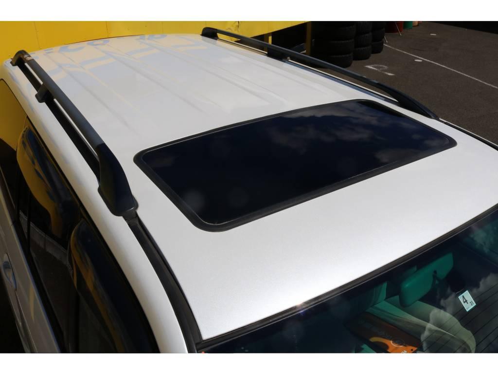 Gセレクション標準装備のサンルーフ&ルーフレール! | トヨタ ランドクルーザー100 4.7 VXリミテッド Gセレクション 4WD 中期 マルチレス 22AW ガナドール