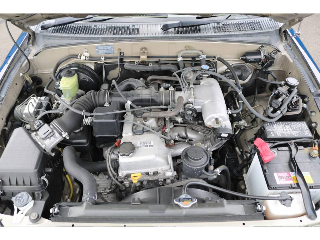 タイミングベルト交換不要(チェーン式)な2700ccモデルですのでメンテナンスもラクラク&低燃費で経済的なエンジンです★ | トヨタ ハイラックスサーフ 2.7 SSR-V 4WD ブラック クラシックⅢ16AW KO2