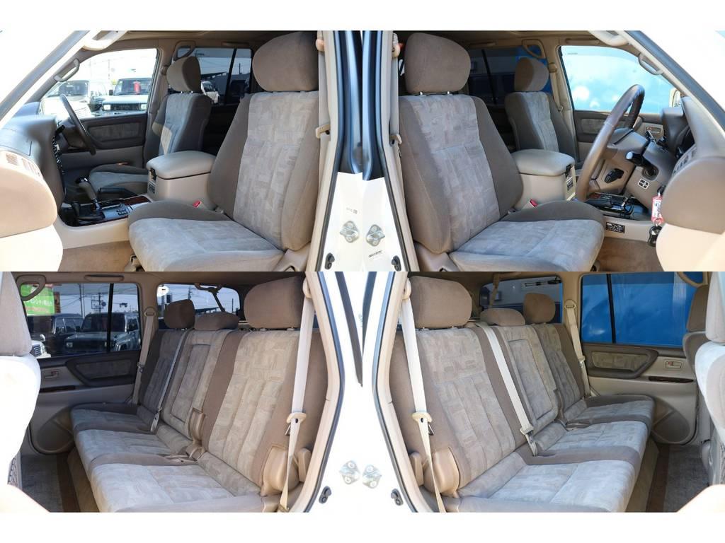各シートはコゲ穴や破れなども無くコンディション良好です★追加でシートカバーやリヤモニターなども承りますので、お気軽にご相談ください♪ | トヨタ ランドクルーザー100 4.7 VXリミテッド 4WD マルチレス フルエアロ 22インチAW