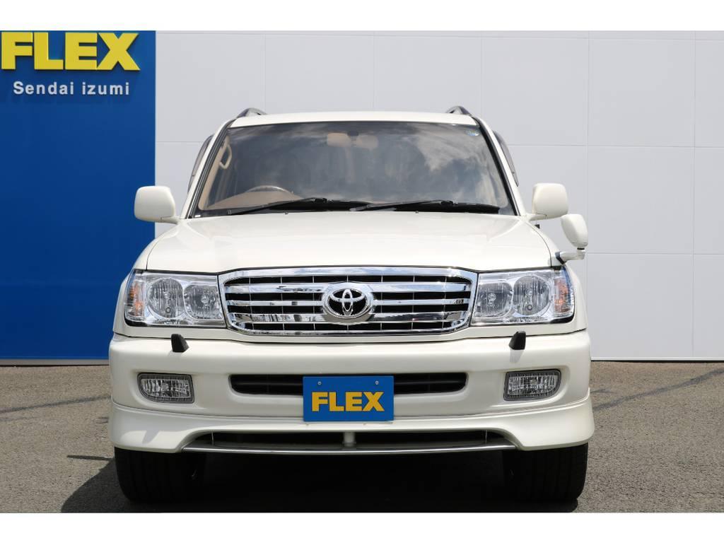 FLEXグループは「すべての人に愛車を」をコンセプトに車種別に全国展開中★愛車と一緒に、ライフスタイルを充実させてもらいたいという思いで、ランクル仙台泉店では皆様のご要望になんでもお応えします★ | トヨタ ランドクルーザー100 4.7 VXリミテッド 4WD マルチレス フルエアロ 22インチAW