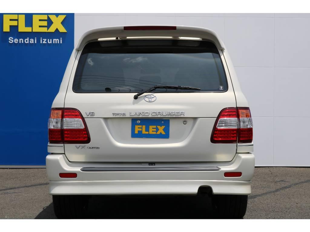 当店の在庫車は全て車輌検査専門会社である第三者機関(株)AIS、日本自動車鑑定協会(JAAA)にて1台1台、必ず二重の車輌チェックを実施しております。修復歴有りの車、事故車の無断販売はいたしません。 | トヨタ ランドクルーザー100 4.7 VXリミテッド 4WD マルチレス フルエアロ 22インチAW