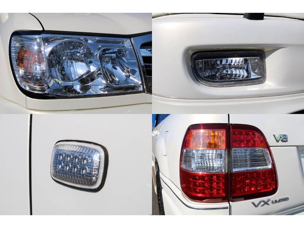 レンズ類は全て新品後期LOOKのモノに換装済みなので、見た目&視認性ともに向上してます♪ | トヨタ ランドクルーザー100 4.7 VXリミテッド 4WD マルチレス フルエアロ 22インチAW