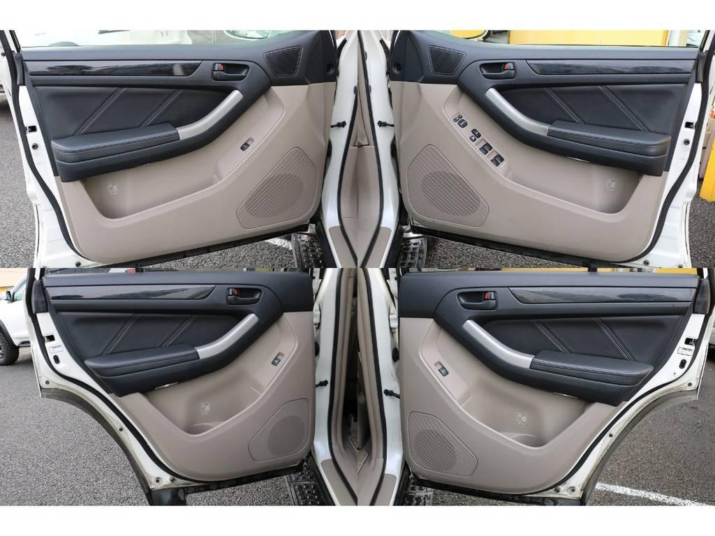 室内は何十項目にも亘るプロの専門ルームクリーニング施工済みです!小さなお子様連れのご家族も安心してお乗りいただけます!外せる部品は外し、特殊洗剤&用品で可能な限り汚れや使用感は除去します★ | トヨタ ハイラックスサーフ 2.7 SSR-G 4WD MGヴァンパイア17AW&KO2 2UP