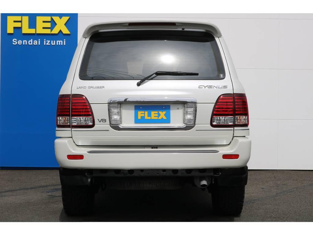 当店の在庫車は全て車輌検査専門会社である第三者機関(株)AIS、日本自動車鑑定協会(JAAA)にて1台1台、必ず二重の車輌チェックを実施しております。修復歴有りの車、事故車の無断販売はいたしません。