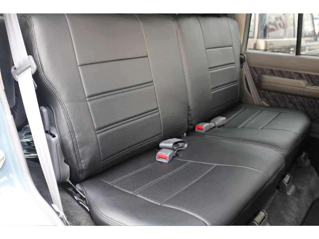 セカンドシートも新品シートカバーをご用意しましたので、とても清潔な状態です★大切な方を乗せるのであれば、キレイな方が絶対良いですよね♪