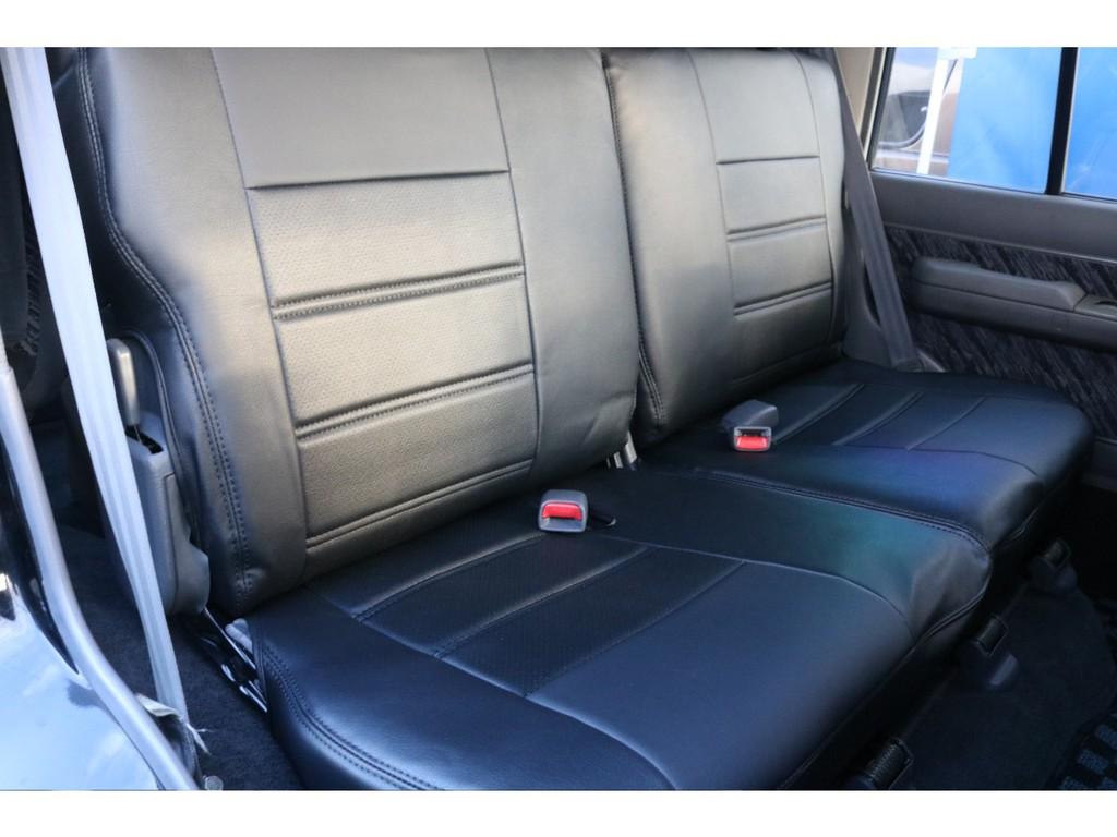 もちろんセカンドシートも新品シートカバーをご用意しました!大切な方を乗せるのであれば、キレイな方が良いですよね♪