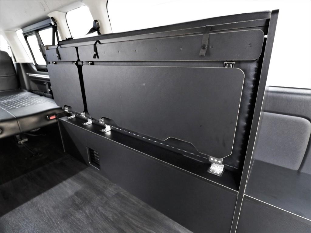 跳ね上げ式座席により荷物をたくさん積むこともできます!ベッドマットもこちらへ収納!