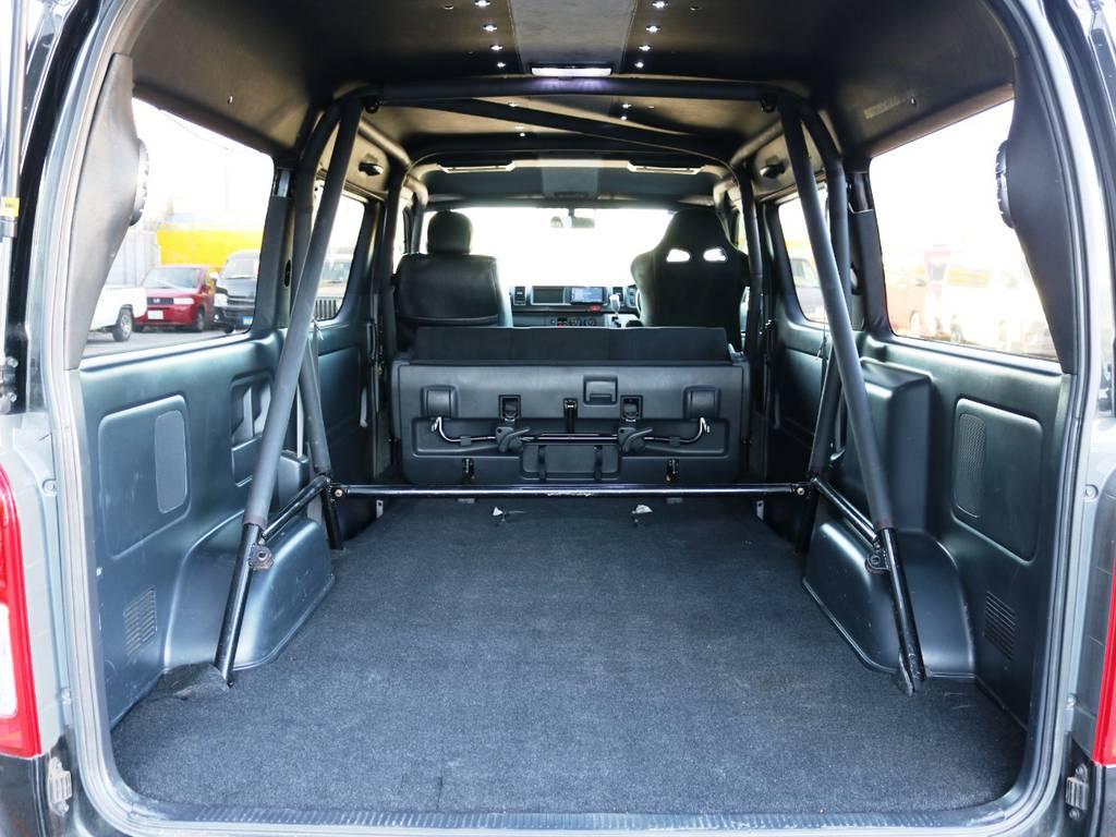 5人乗りの特徴的な広々とした荷室♪ | トヨタ ハイエースバン 2.7 スーパーGL ワイド ロング ミドルルーフ 3型フェイスチェンジ ワイドバン