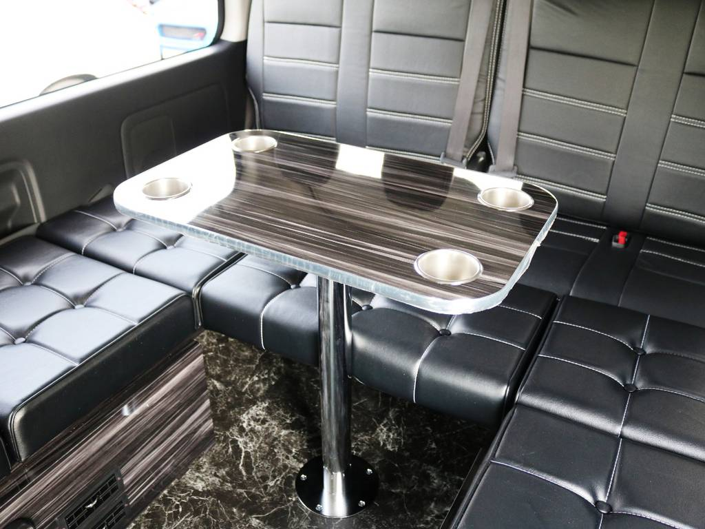 センターテーブル付き♪ | トヨタ ハイエース 2.7 GL ロング ミドルルーフ TSS付 内装ラウンジ5α