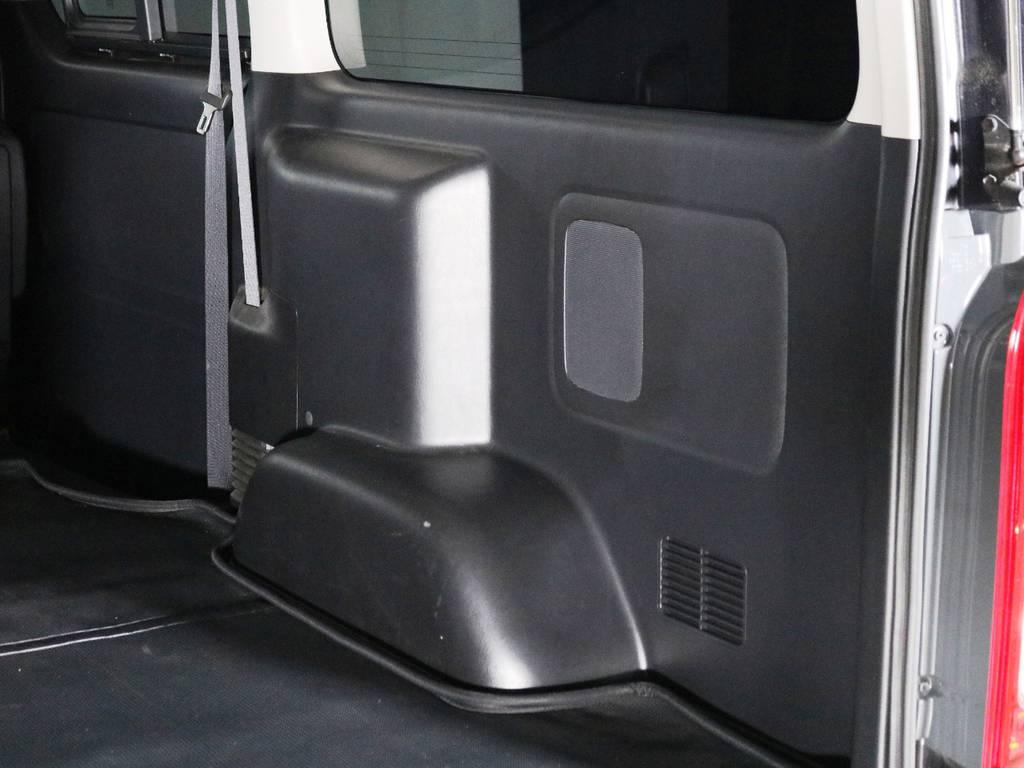運転席側荷室トリムの状態! | トヨタ ハイエースバン 2.0 スーパーGL ダークプライム ロングボディ 内外装ライトカスタム