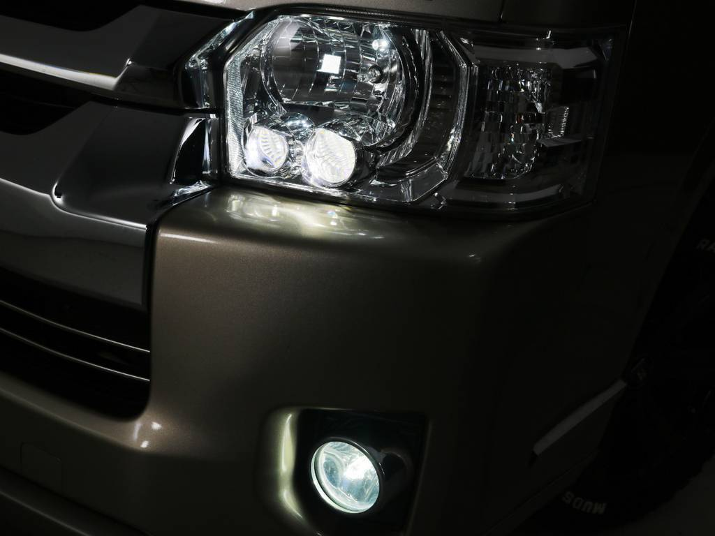 メーカーオプション LEDヘッドライト!フォグランプもLEDに交換済み♪