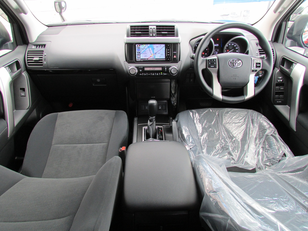 ランドクルーザープラド 2.8 TX ディーゼルターボ 4WD