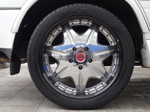 社外22インチアルミホイール!   トヨタ ランドクルーザー100 4.7 VXリミテッド 4WD