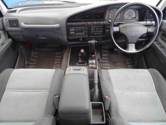 内装はシックにグレーのインテリア! | トヨタ ランドクルーザー80 4.5 VXリミテッド 4WD