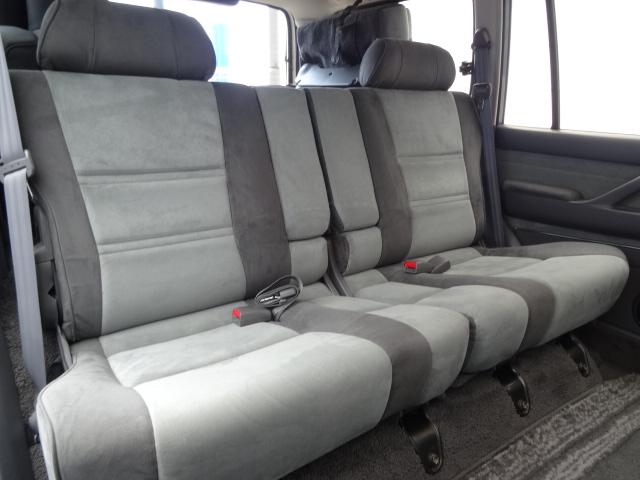 セカンドシートもGOODコンディション! | トヨタ ランドクルーザー80 4.5 VXリミテッド 4WD