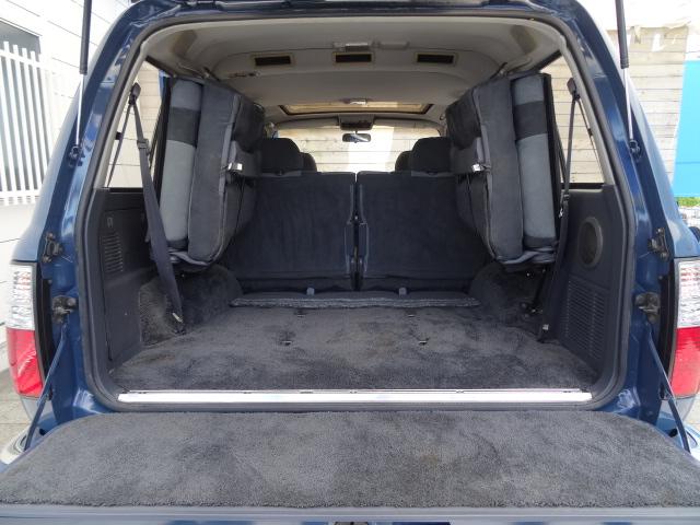 荷室も広々しておりますのでキャンプなどのアウトドアでも大活躍! | トヨタ ランドクルーザー80 4.5 VXリミテッド 4WD