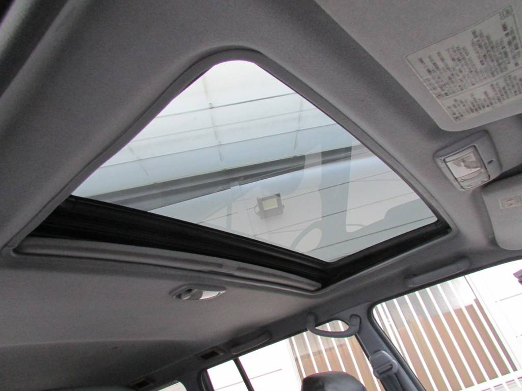 サンルーフも装備されております! | トヨタ ランドクルーザープラド 3.0 TZ ディーゼルターボ 4WD カスタム