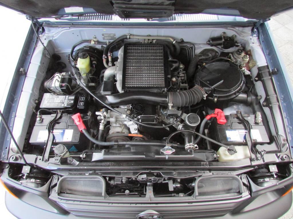 エンジンルームもGOODコンディション! | トヨタ ランドクルーザープラド 3.0 TZ ディーゼルターボ 4WD カスタム