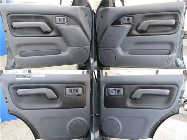 ドア内張は新品で張り替えちゃいました♪ | トヨタ ランドクルーザープラド 2.7 TX 4WD カスタム車