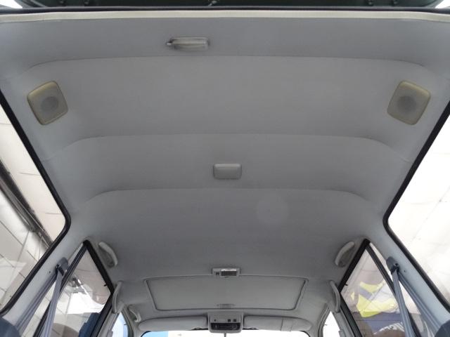 大きなキズやへたりも無く天張りもグッドコンディション! | トヨタ ランドクルーザー80 4.2 VX ディーゼルターボ 4WD