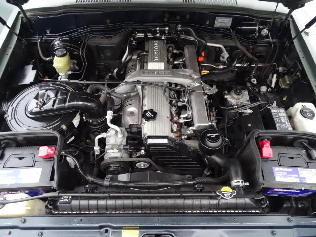 エンジンルームもビッカビカです!! | トヨタ ランドクルーザー80 4.2 VX ディーゼルターボ 4WD