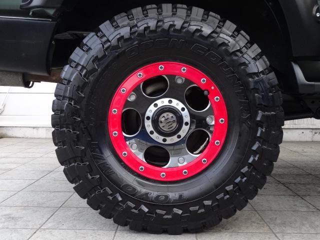 マッドグリーンに赤色の入ったホイール!映えますね! | トヨタ ランドクルーザー80 4.2 VX ディーゼルターボ 4WD