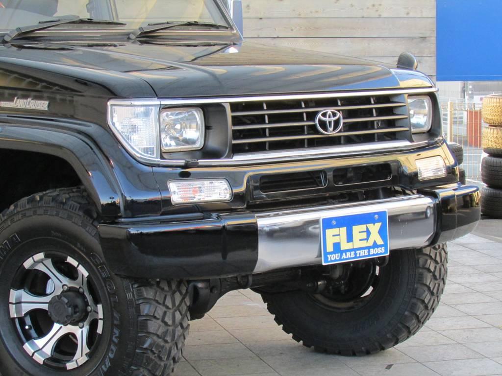 迫力のあるフロントフェイス♪   トヨタ ランドクルーザープラド 3.0 SXワイド ディーゼルターボ 4WD カスタム