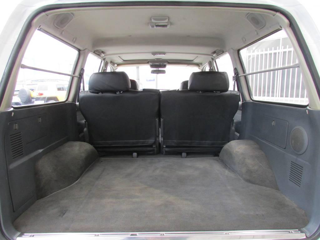 荷室も広々♪アウトドアなどにもってこいですね! | トヨタ ランドクルーザー80 4.2 VXリミテッド ディーゼルターボ 4WD コンプリートカー
