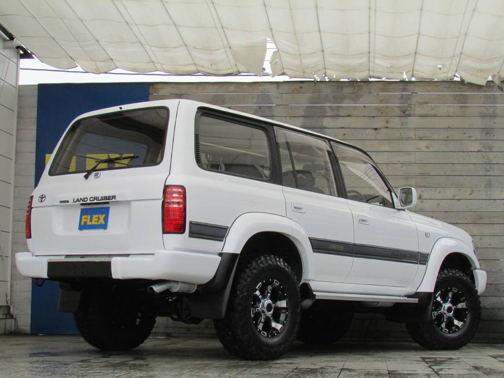 リアビューもグッドです! | トヨタ ランドクルーザー80 4.2 VXリミテッド ディーゼルターボ 4WD コンプリートカー