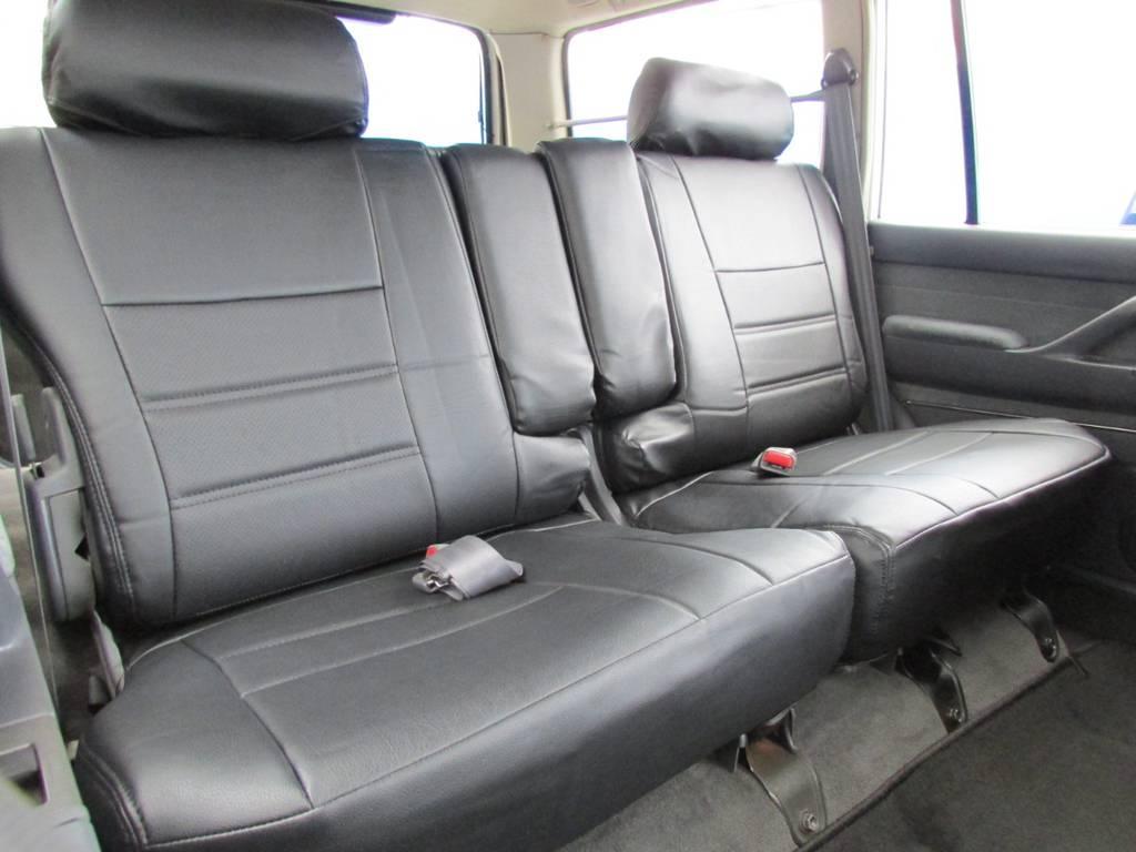 セカンドシートにはチャイルドシートも取付可能です☆ | トヨタ ランドクルーザー80 4.2 VXリミテッド ディーゼルターボ 4WD コンプリートカー