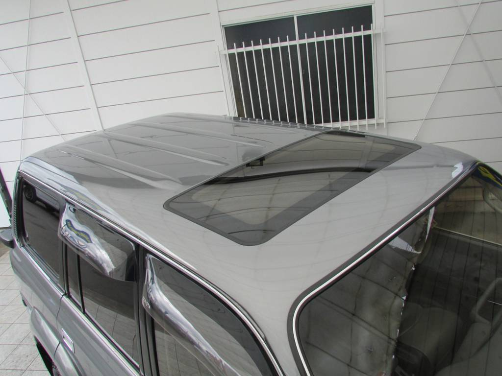 あったら嬉しいサンルーフ付き♪   トヨタ ランドクルーザー80 4.2 VX ディーゼル 4WD カスタム